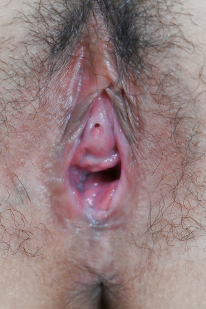 Women Eating Pussy Up Close